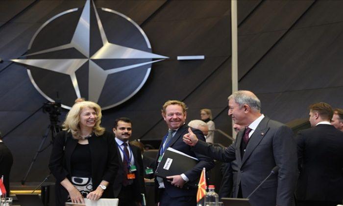 Millî Savunma Bakanı Hulusi Akar, NATO Karargâhında İkinci Gün Oturumlarına Katıldı