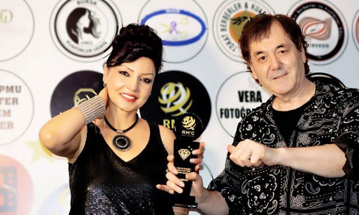 Orta Asya müziğinin ülkemizdeki en önemli temsilcisi Şahsenem