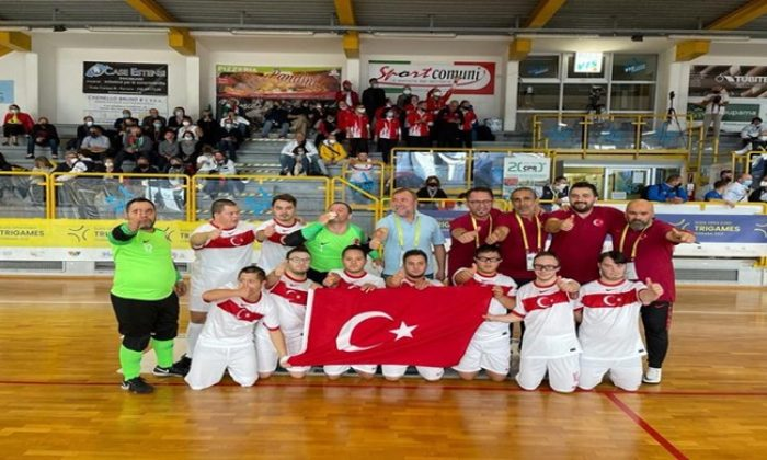 Özel Sporcular Down Sendromlular Futsal Milli Takımımızı tebrik ediyoruz